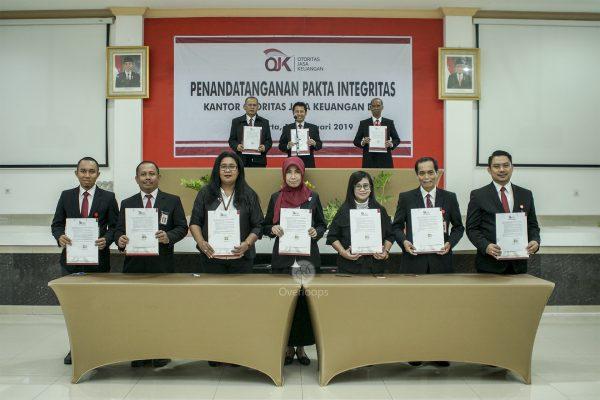 Penandatanganan Pakta Integritas OJK Yogyakarta